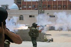 Hamas expulsa a Al Fatah de Gaza mientras Abas declara el estado de emergencia
