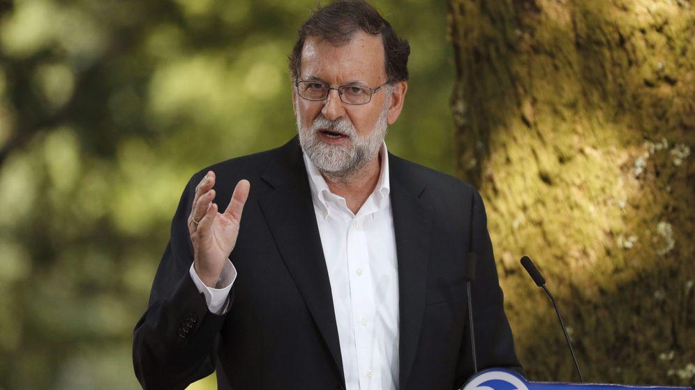 Foto: El presidente del Gobierno, Mariano Rajoy, durante su intervención en el acto con el que el partido Popular dio comenzo al curso político en Pontevedra. (EFE)