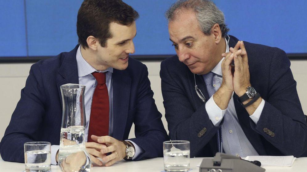 Foto: Imagen de archivo de Pablo Casado y Juan Carlos Vera en la sede del PP en Madrid. (EFE)