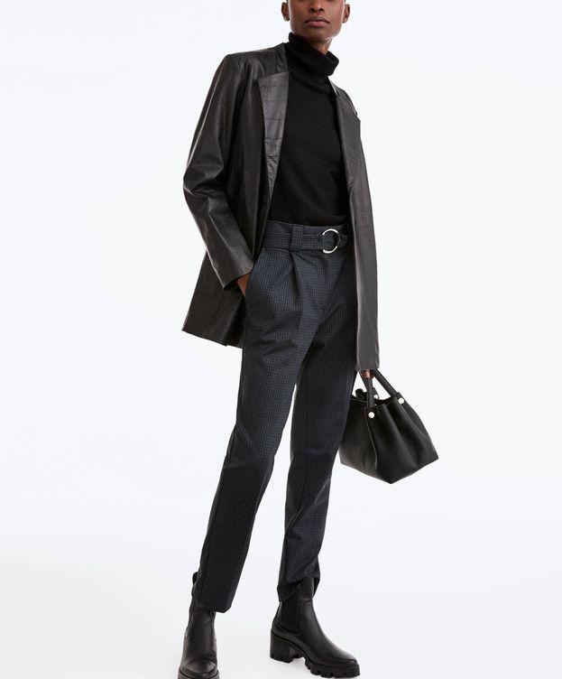 Foto: Un imprescindible bolso negro de Uterqüe. (Cortesía)