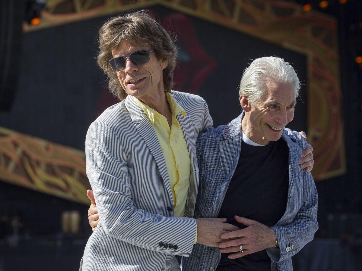 Foto: Charlie Watts (d) con Mick Jagger en 2014. (EFE)