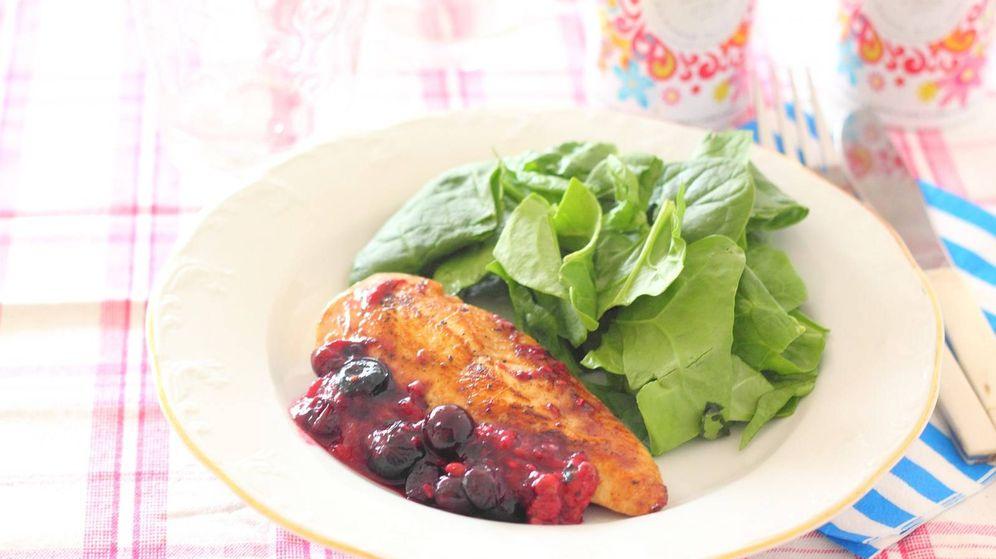 Foto: Pechuga de pollo en salsa de frutos rojos (Mer Bonilla)