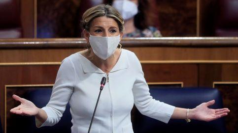 La ministra de Trabajo española, lesionada de tanto trabajar