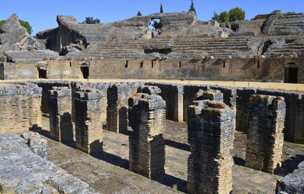 Foto: El anfiteatro de Itálica, en Santiponce, Sevilla. (EFE)