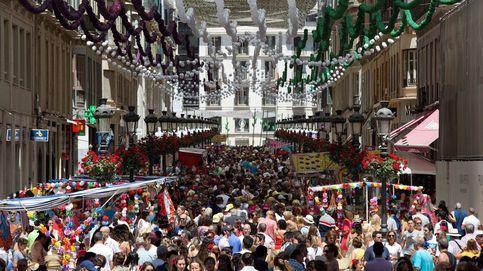 Málaga no se rinde: contrata 600.000 € para la Feria de agosto, con 6 M de personas