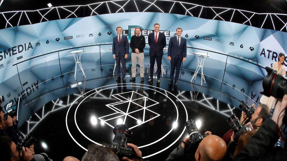 Foto: Los candidatos al inicio del debate. (EFE)