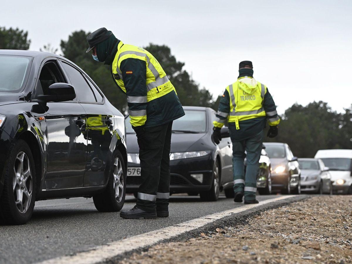 Foto: Controles de carretera en Madrid. (EFE)