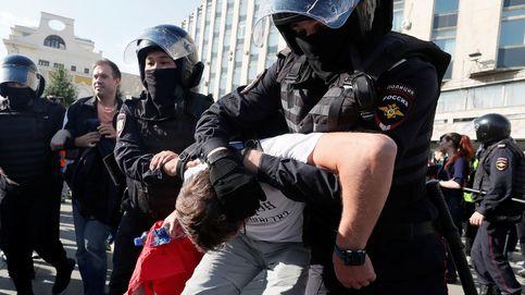 Más de 800 detenidos en una nueva manifestación de opositores en Moscú