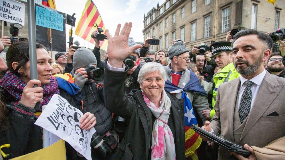 Foto: La 'exconsellera' del Govern Clara Ponsatí sale del tribunal de Edimburgo. (Efe)