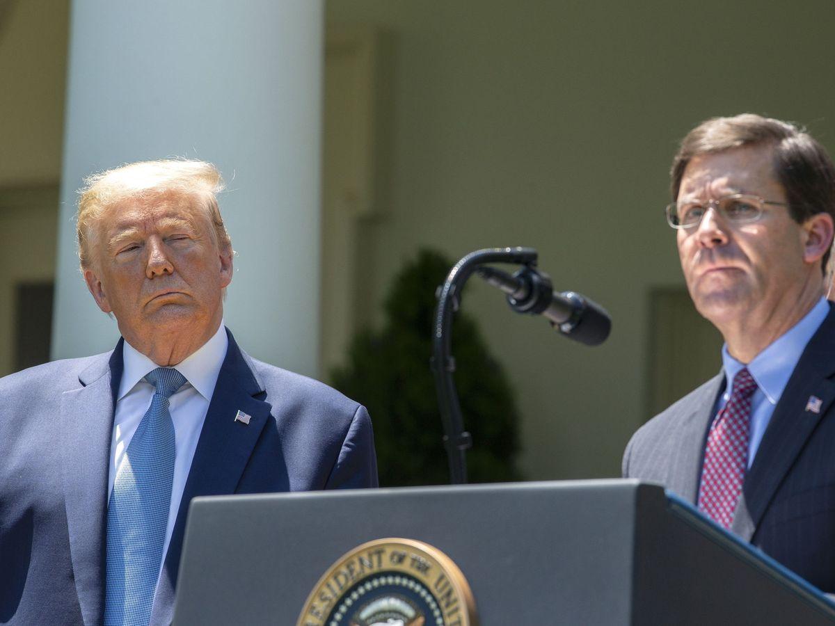 Foto: Donald Trump y Mark Esper, jefe del Pentágono. (Reuters)