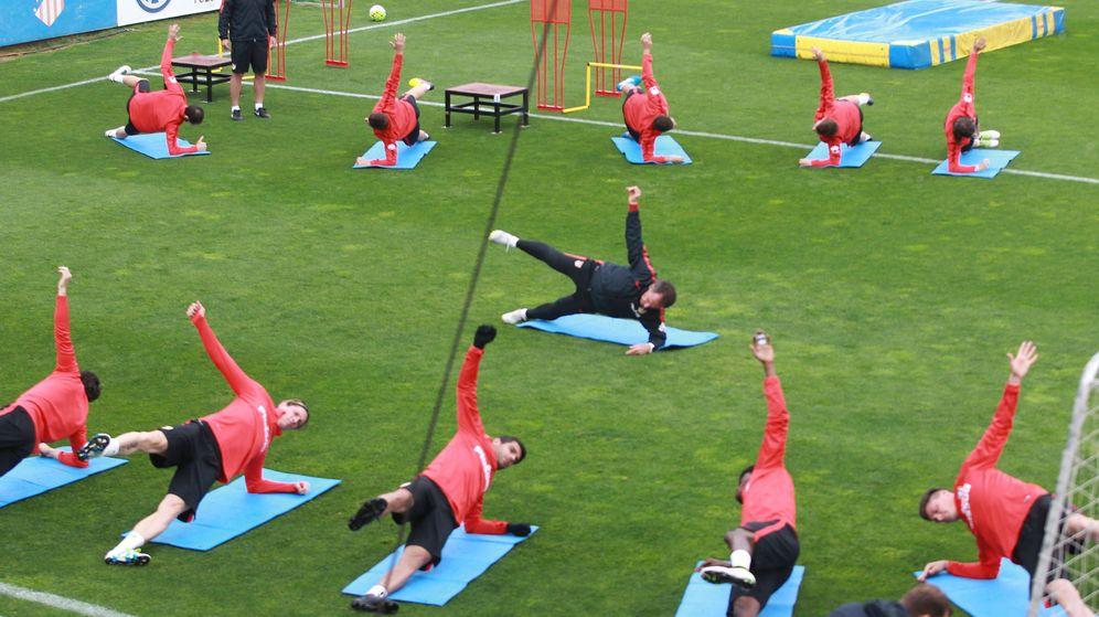 Foto: Entrenamiento físico del Atlético de Madrid. Foto: Víctor Lerena (EFE)