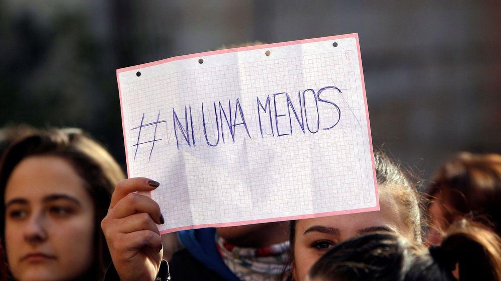 Foto: Callosa (Alicante) se concentró para rechazar la violación múltiple de una joven en Nochevieja.