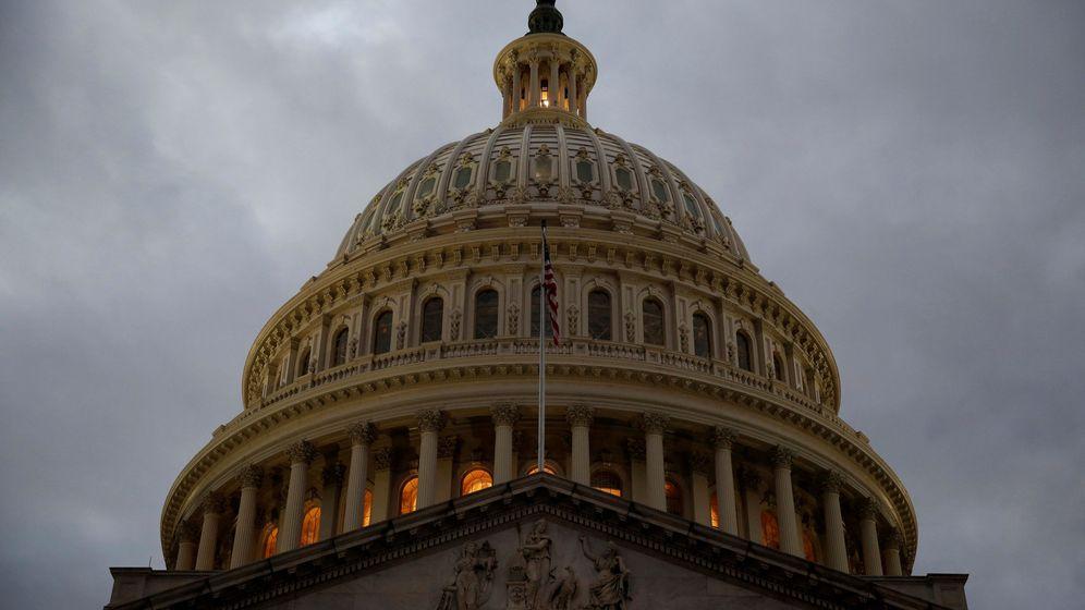 Foto: Vista del Capitolio, horas antes de la crítica votación sobre la reforma fiscal de Trump. (Reuters)