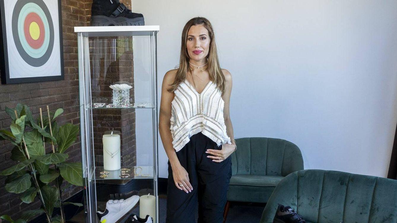 Almudena Navalón nos presenta sus joyas (y aclara cómo conoció a Manuel Carrasco)