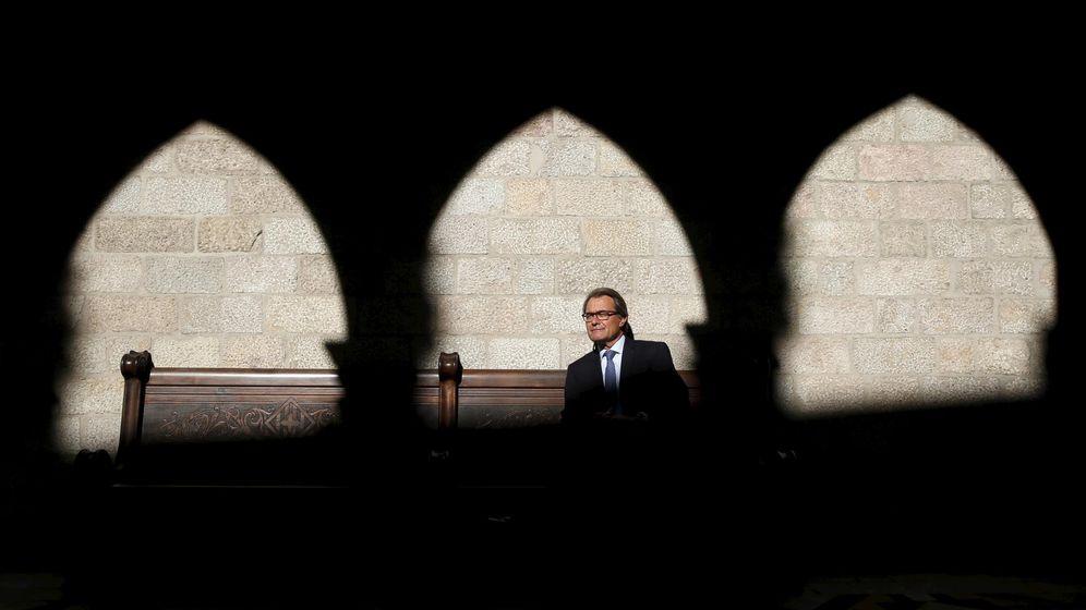 Foto: El presidente catalán, Artur Mas, posa en el Parlament de Cataluña. (EFE)
