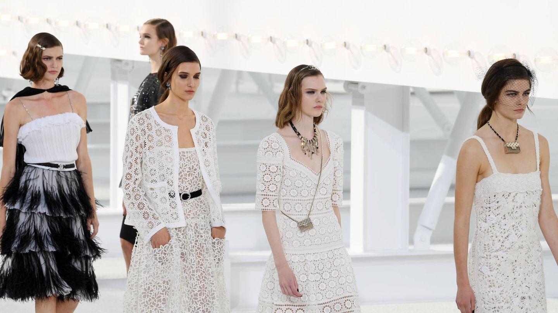 Modelos en el desfile de Chanel Spring/Summer 2021. (Getty)