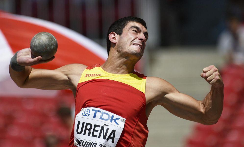 Foto: El decatleta Jorge Ureña, lanzando peso durante el Mundial de Pekín 2015 (EFE)