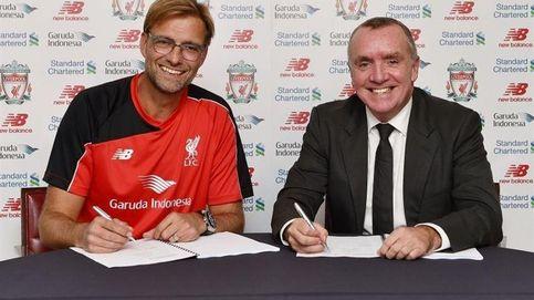 Jürgen Klopp ya es entrenador del Liverpool y firma por tres temporadas