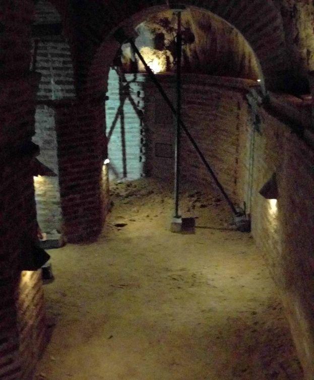 Foto: Una de las cuevas de Navalcarnero, apuntalada.