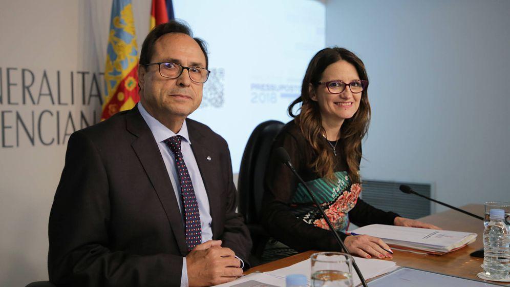 Foto: Vicent Soler y Mónica Oltra, en la rueda de prensa de presentación de presupuestos de 2018. (GVA)