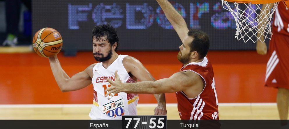 Foto: España encuentra el equilibrio entre el juego interior y el exterior para superar a Turquía