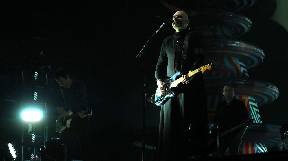 Foto: El cantante de The Smashing Pumpkins, Billy Corgan, durante su concierto en Mad Cool. (EFE)