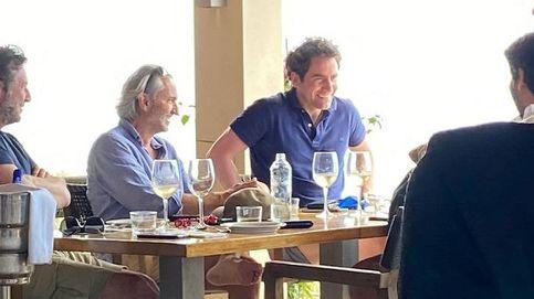 García Egea, López Miras y Mazón, celebrando en Formentera con Broseta