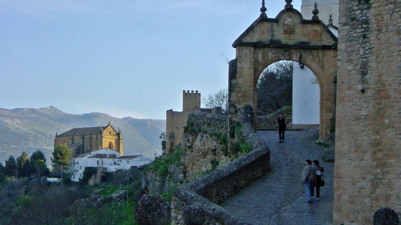 El arco de Felipe V dando forma a esta maravillosa ciudad. (Foto: Turismo Ronda)