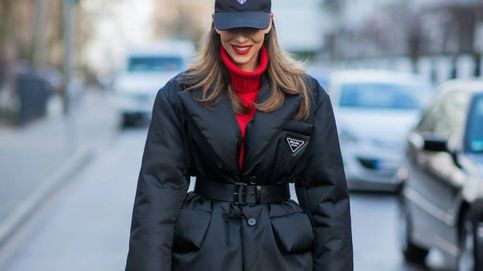 La chaqueta acolchada de Prada que se ha colado en los looks de las expertas y ya es viral