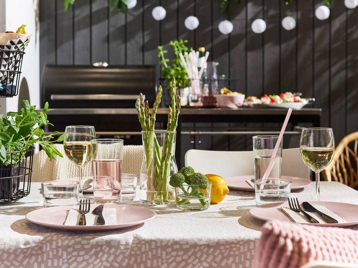 Foto: Brinda por la desescalada con estas copas de Ikea y Zara Home. (Cortesía Ikea)