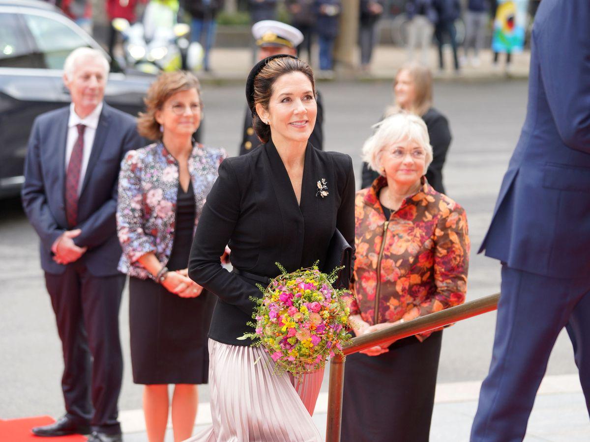 Foto: Mary de Dinamarca, a su llegada al acto. (Reuters)