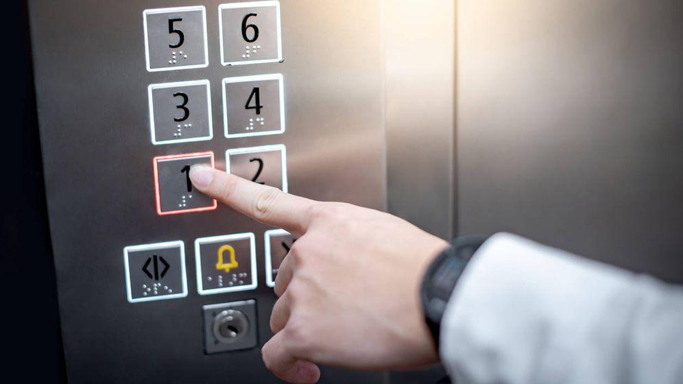 Foto: Tengo un piso alquilado, ¿me puedo deducir la derrama para instalar el ascensor? (iStock)