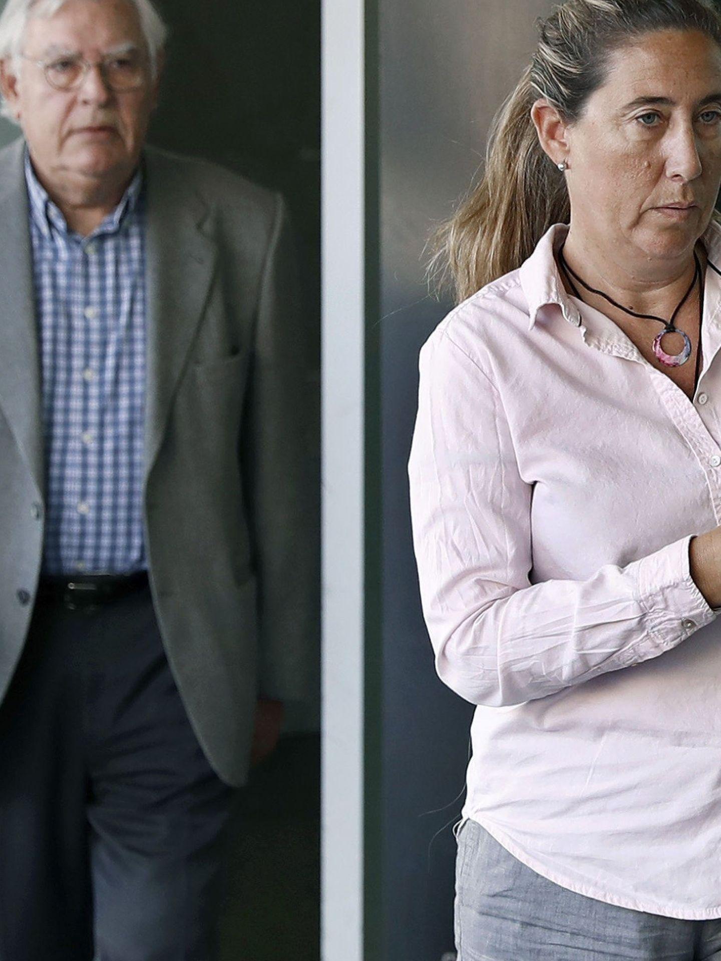 GRA072. BARCELONA, 17 05 2017.- La exdirectora financiera del Palau de la Música Gemma Montull y su padre, el exdirector del Palau de la Música Jordi Montull, a su llegada a la Ciudad de la Justicia para asistir al juicio por el expolio del Palau de la Música que afronta hoy una sesión clave en la que las acusaciones expondrán ante el tribunal su petición de penas definitivas para los procesados. EFE Andreu Dalmau