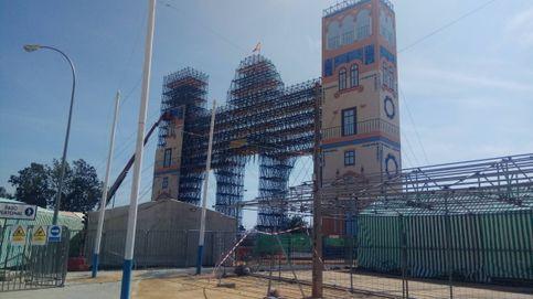 Sevilla trabaja en el montaje de la Semana Santa y la Feria como si nada pasara