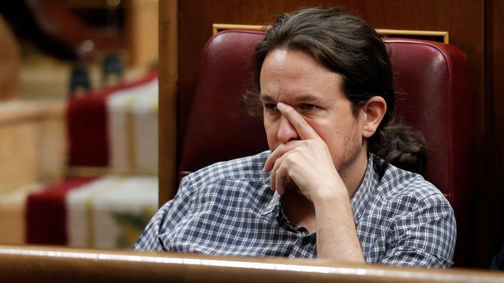 Foto: El secretario general de Podemos Pablo Iglesias, en el hemiciclo del Congreso en la primera jornada del debate de investidura. (EFE)