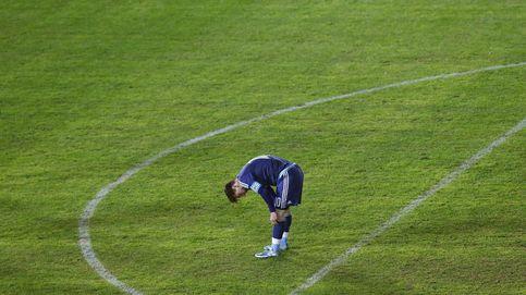 Un gol de Agüero salva a una Argentina sin físico de la debacle ante Uruguay