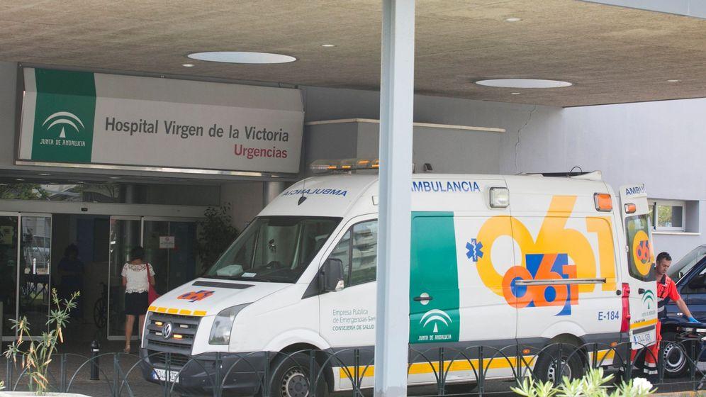 Foto: Fachada del Hospital Clínico Virgen de la Victoria (EFE).