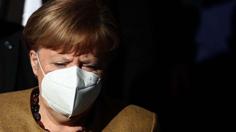 Alemania suma casi mil muertos y Merkel critica la lenta respuesta al covid-19