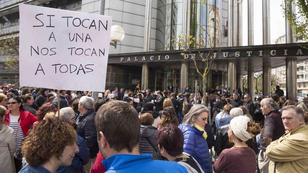 La Universidad de Santiago abre expediente al profesor que vejó a la víctima de La Manada
