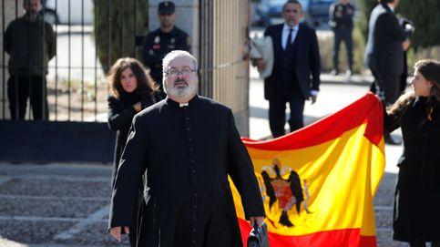 El hijo de Tejero sustituye al hermano de Villarejo en la parroquia 'vip' de Marbella