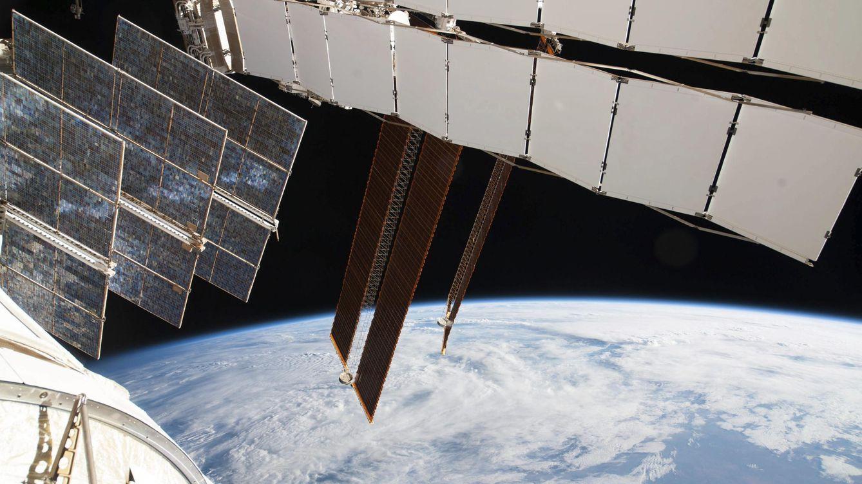 Foto: Paneles solares en la ISS (NASA)