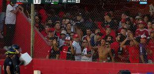 Post de Violencia en el fútbol argentino: tiraron la cisterna de un retrete al campo