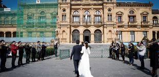 Post de Una pareja se las apaña para celebrar su boda a lo grande y con 'distancia social'