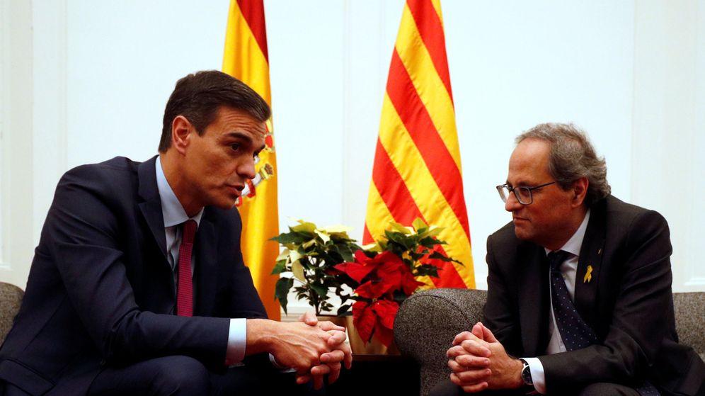 Foto: Sánchez (i) y Torra (d), reunidos en Pedralbes. (Reuters)