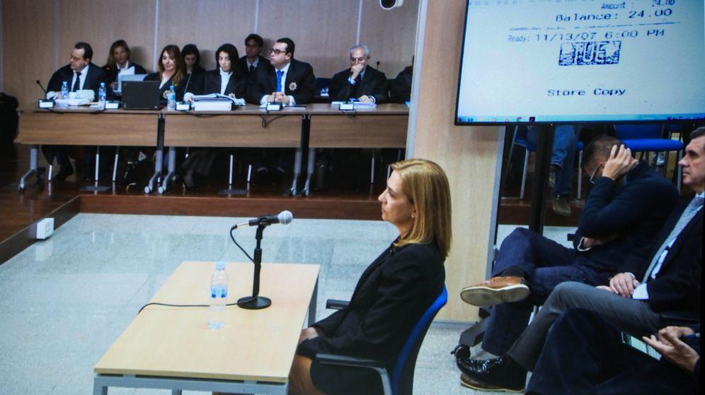 Foto: Imagen de la infanta Cristina durante la declaración. (EFE)