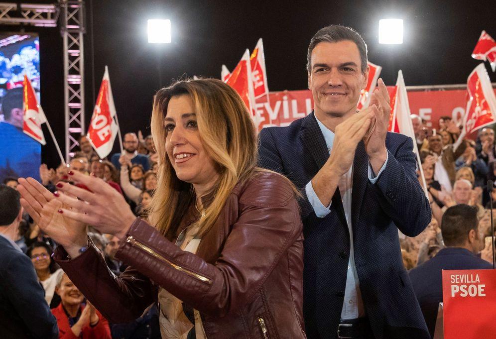 Foto: Pedro Sánchez junto a Susana Díaz, en el acto de este sábado en FIBES, en Sevilla. (EFE)