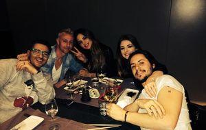 Wally López 'se cuela' en el cumpleaños de Romina Belluscio