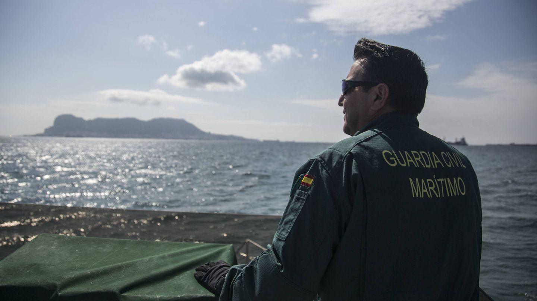 Cubierta del barco del Servicio Marítimo de la Guardia Civil. (Fernando Ruso)