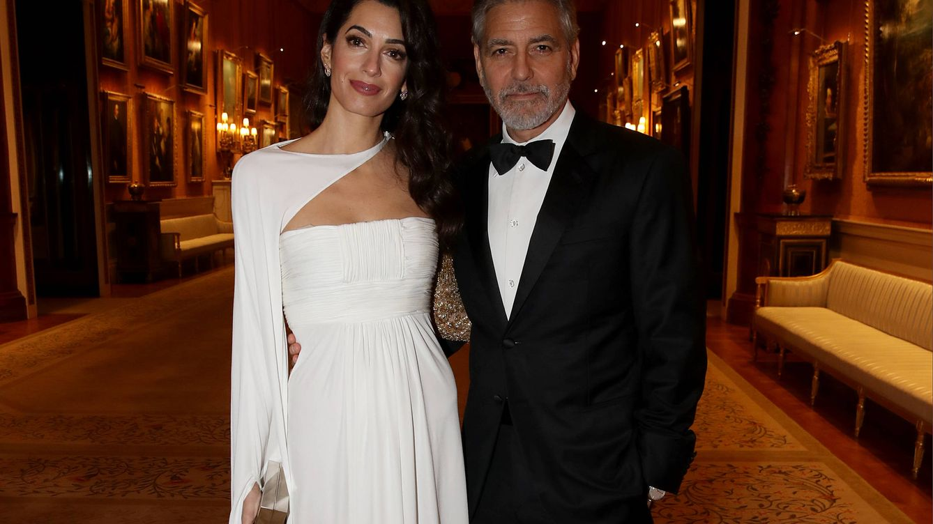 Amal Clooney, la dama de blanco en la cena de gala del príncipe Carlos de Inglaterra