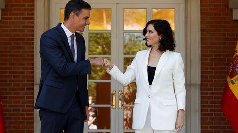 Ayuso lleva a Moncloa su oposición a Sánchez: Vamos abocados a un cambio de régimen